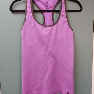 New Balance Women's Size M Exercise Top Bust Suppo